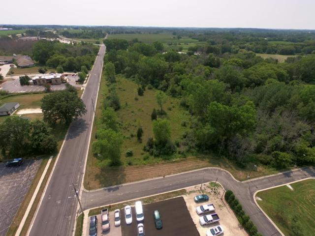 150 S Riverside Dr, Saukville, WI 53080 (#1601148) :: Tom Didier Real Estate Team