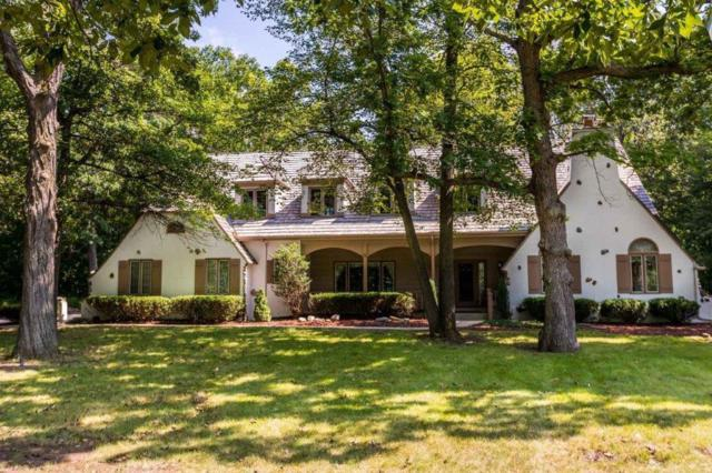 N12W29750 Southampton Dr, Delafield, WI 53188 (#1601442) :: Vesta Real Estate Advisors LLC