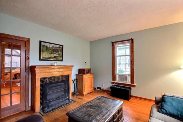 328 Oakton Ave, Pewaukee, WI 53072 (#1601467) :: Vesta Real Estate Advisors LLC