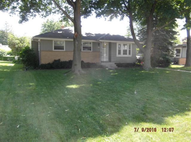 5666 S Honey Creek Dr, Milwaukee, WI 53221 (#1601619) :: Vesta Real Estate Advisors LLC