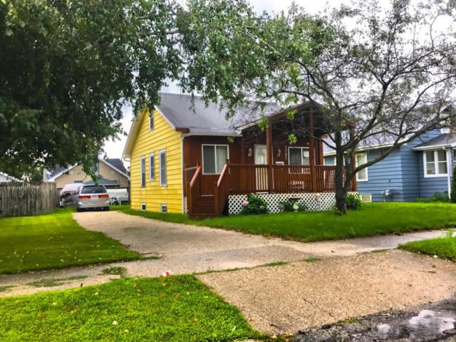 7721 16th Ave, Kenosha, WI 53143 (#1601636) :: Vesta Real Estate Advisors LLC