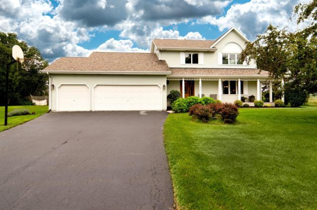 10250 Lakeshore Dr, Pleasant Prairie, WI 53158 (#1603170) :: Tom Didier Real Estate Team