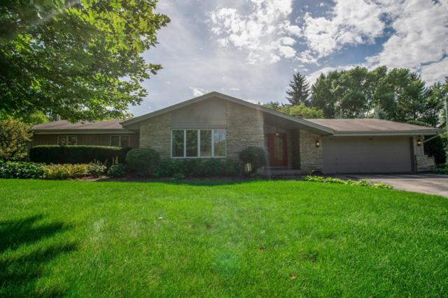 3411 W Woodview Ct, Mequon, WI 53092 (#1605082) :: Tom Didier Real Estate Team