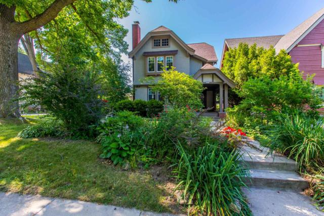 2515 E Menlo Blvd, Shorewood, WI 53211 (#1605364) :: Vesta Real Estate Advisors LLC