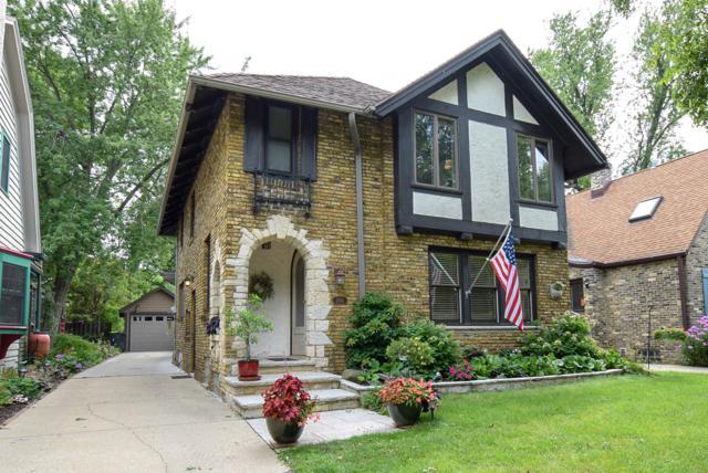 2105 E Lake Bluff Blvd, Shorewood, WI 53211 (#1606364) :: Vesta Real Estate Advisors LLC
