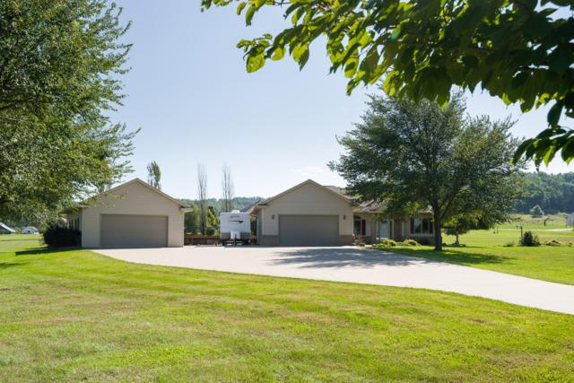 N6674 Forest Ct, Onalaska, WI 54636 (#1606592) :: Tom Didier Real Estate Team