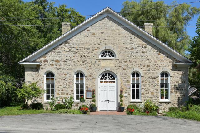 236 Hamilton Rd, Cedarburg, WI 53012 (#1607006) :: Tom Didier Real Estate Team