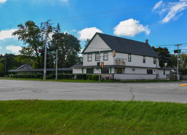 10365 N Cedarburg Rd, Mequon, WI 53092 (#1607938) :: Tom Didier Real Estate Team