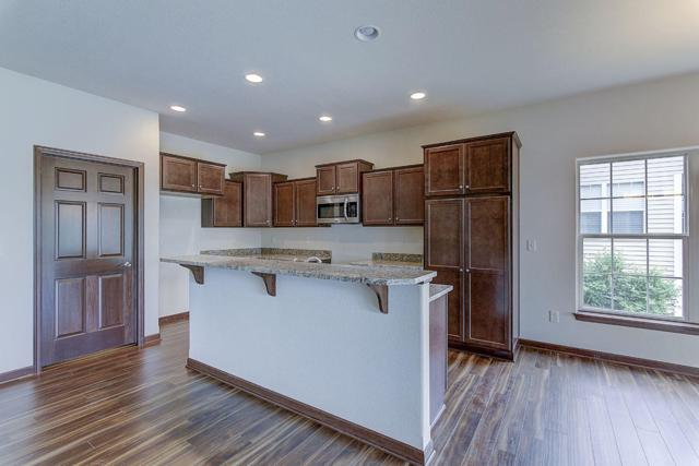 482 Woodfield Cir, Waterford, WI 53185 (#1608406) :: Tom Didier Real Estate Team
