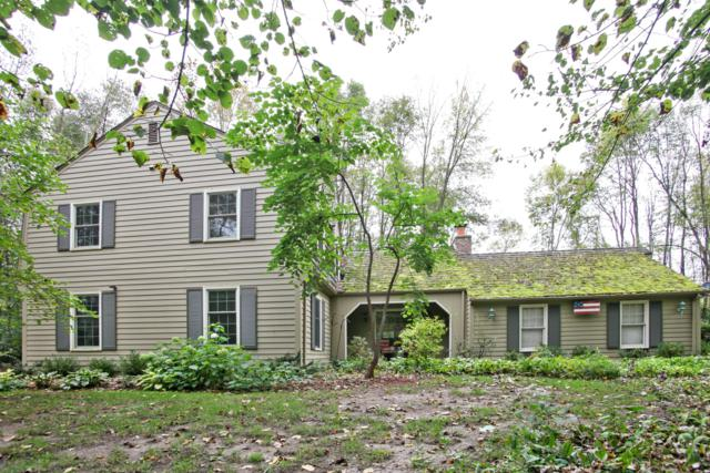 709 W Auburn Ct, Mequon, WI 53092 (#1608638) :: Tom Didier Real Estate Team
