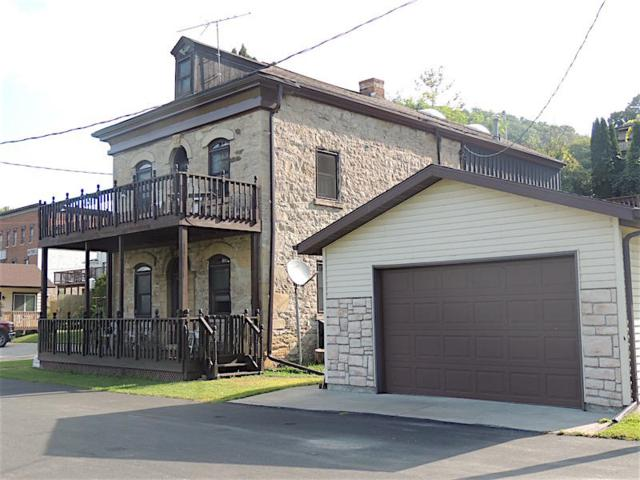 712 Water St, Genoa, WI 54632 (#1608800) :: RE/MAX Service First Service First Pros