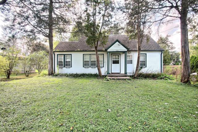 1033 Nagawicka St #1035, Delafield, WI 53018 (#1609726) :: RE/MAX Service First