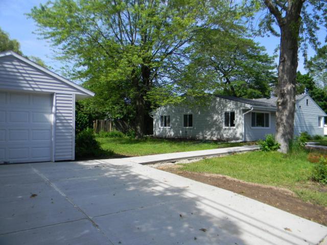 7105 N Navajo Ave, Glendale, WI 53217 (#1609857) :: Vesta Real Estate Advisors LLC