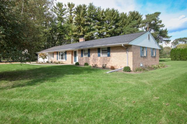 212 Woodside Ln, Thiensville, WI 53092 (#1610007) :: Tom Didier Real Estate Team