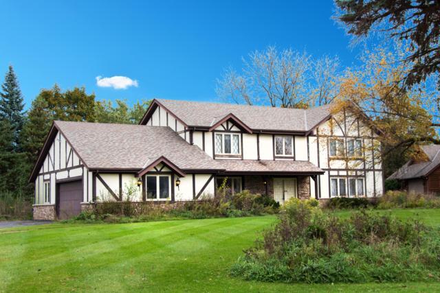 15850 Ridgefield Ct, Brookfield, WI 53005 (#1610132) :: Vesta Real Estate Advisors LLC