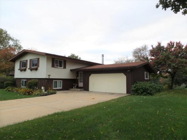 W177N8659 Lynwood Dr, Menomonee Falls, WI 53051 (#1610273) :: Vesta Real Estate Advisors LLC