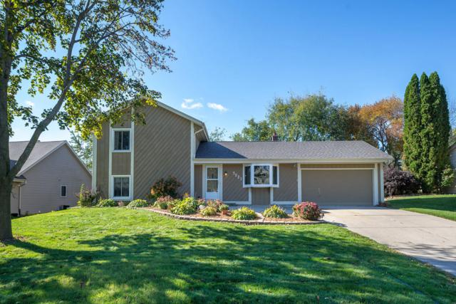 7021 W Southview Dr, Franklin, WI 53132 (#1610675) :: Vesta Real Estate Advisors LLC