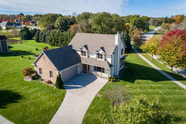 1377 Red Oak Dr, Hartford, WI 53027 (#1610701) :: Tom Didier Real Estate Team