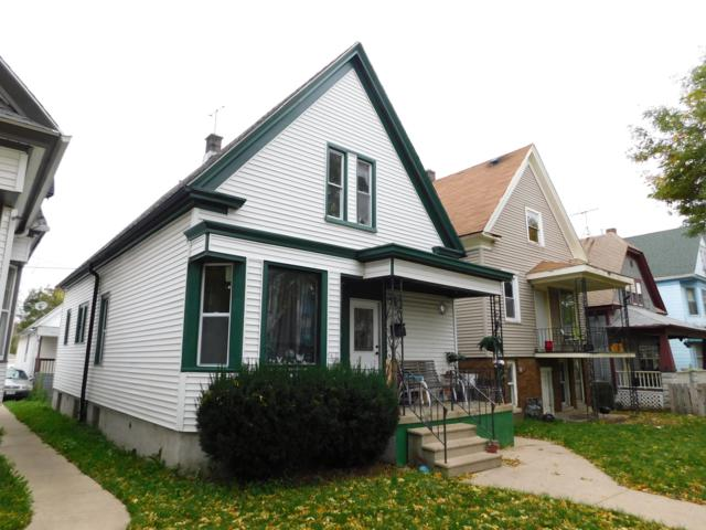 1418 W Hayes Ave 1418A, Milwaukee, WI 53215 (#1610837) :: RE/MAX Service First