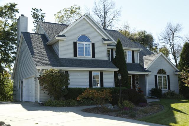 1131 E Stonegate Dr, Oak Creek, WI 53154 (#1611010) :: Vesta Real Estate Advisors LLC