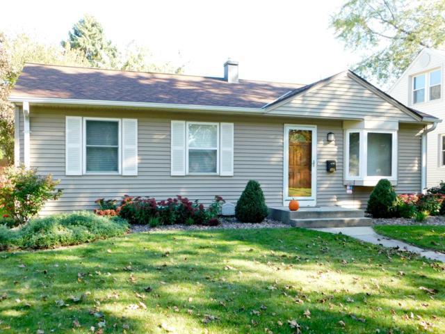 4956 N Iroquois Ave, Glendale, WI 53217 (#1611044) :: Vesta Real Estate Advisors LLC