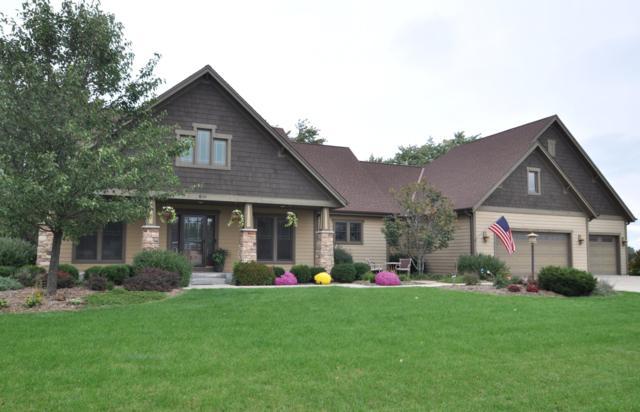 800 E Oak Ln, Oak Creek, WI 53154 (#1611115) :: Vesta Real Estate Advisors LLC