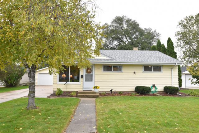 1137 3rd Ave, Grafton, WI 53024 (#1611155) :: Tom Didier Real Estate Team