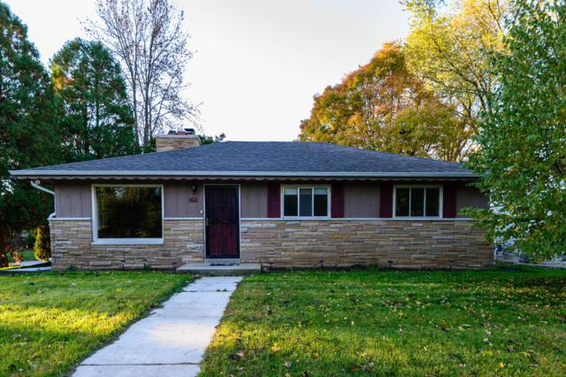 1611 W Mill Rd, Glendale, WI 53209 (#1611298) :: Vesta Real Estate Advisors LLC