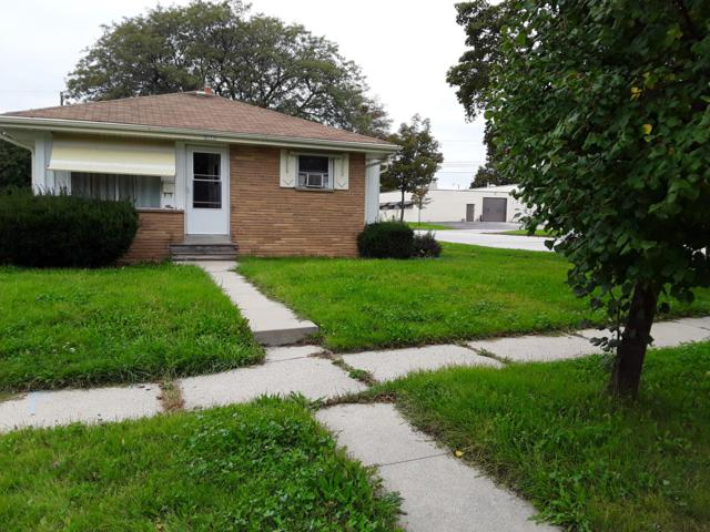 5777 N 97th St, Milwaukee, WI 53225 (#1611546) :: Vesta Real Estate Advisors LLC