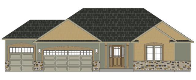 277 Silver Lake Trl, Oconomowoc, WI 53066 (#1612266) :: Tom Didier Real Estate Team