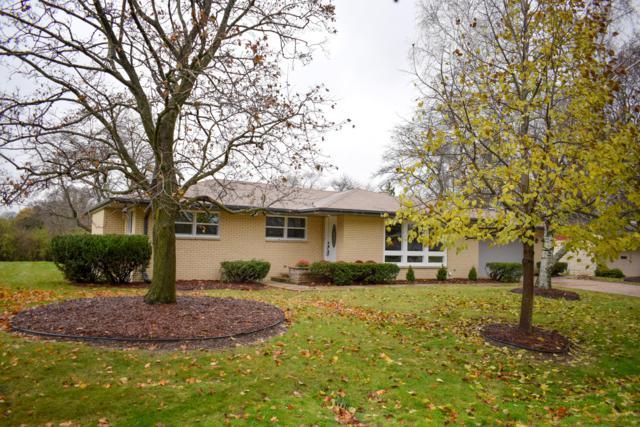 8609 N Manor Ln, Fox Point, WI 53217 (#1613488) :: Tom Didier Real Estate Team