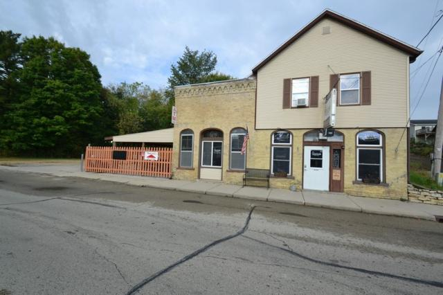 200 S River St, Lowell, WI 53557 (#1613574) :: RE/MAX Service First Service First Pros