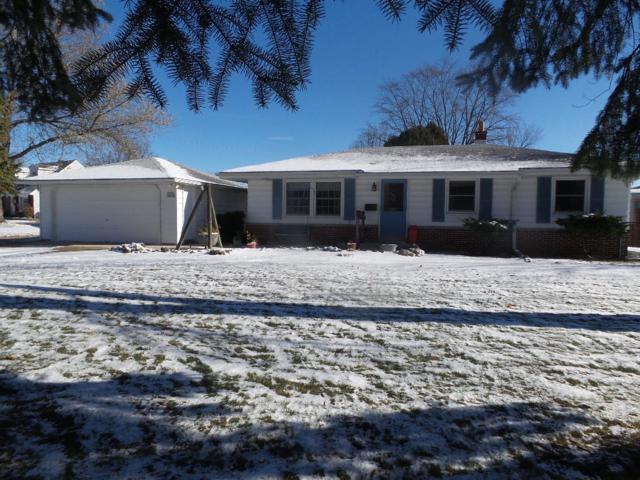 W148N8066 University Dr, Menomonee Falls, WI 53051 (#1614284) :: Vesta Real Estate Advisors LLC