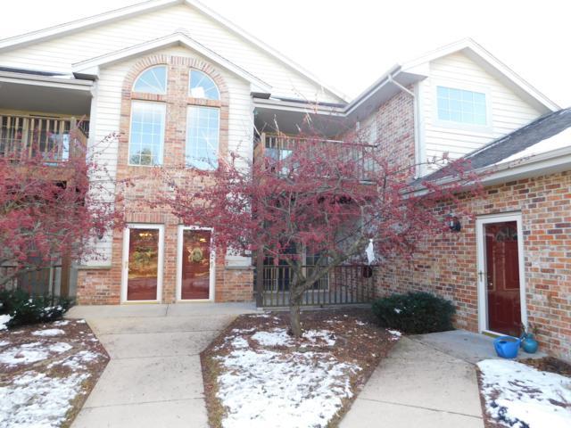 624 W Hillcrest Rd G, Saukville, WI 53080 (#1614450) :: Tom Didier Real Estate Team