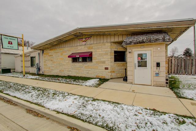 220 E James St, Columbus, WI 53925 (#1614850) :: Tom Didier Real Estate Team