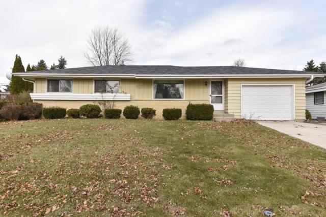 334 Barry Ave, Port Washington, WI 53074 (#1614977) :: Tom Didier Real Estate Team