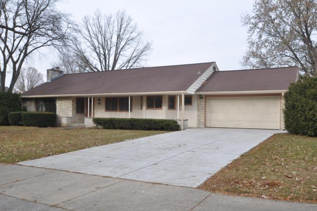 9820 W Concordia Ave, Milwaukee, WI 53222 (#1615104) :: Tom Didier Real Estate Team