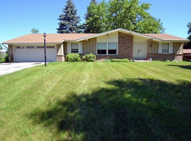 2826 W Green Tree Rd, Glendale, WI 53209 (#1615166) :: Vesta Real Estate Advisors LLC