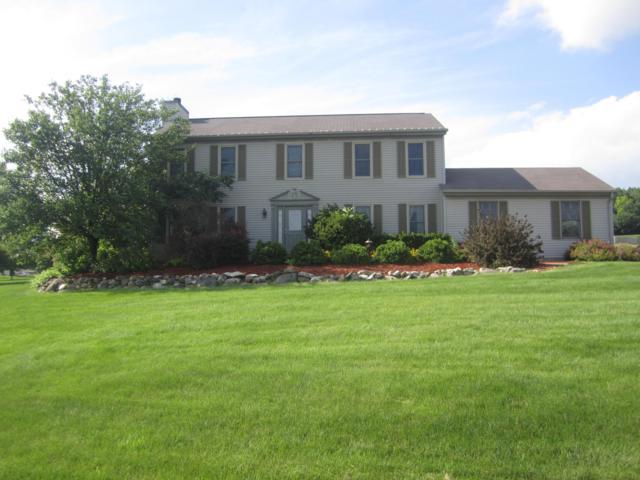 W296S2869 Molly Ln N, Genesee, WI 53188 (#1615321) :: Tom Didier Real Estate Team