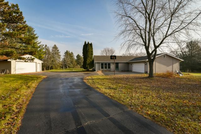 824 Horns Corners Rd, Cedarburg, WI 53012 (#1615693) :: Tom Didier Real Estate Team