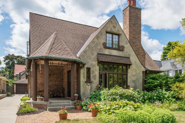 2731 E Beverly Rd, Shorewood, WI 53211 (#1615763) :: Vesta Real Estate Advisors LLC