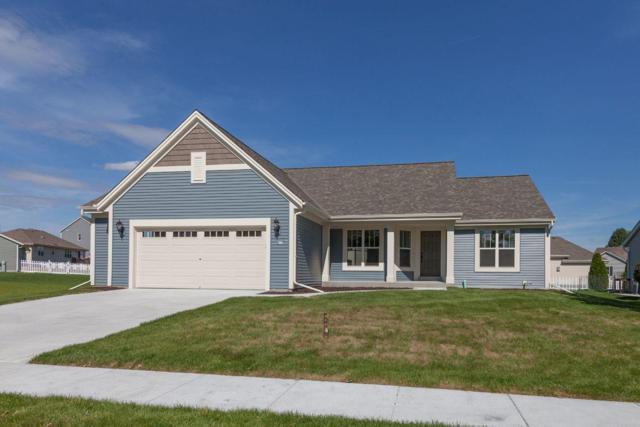 811 Belmont Dr, Watertown, WI 53094 (#1615937) :: Tom Didier Real Estate Team