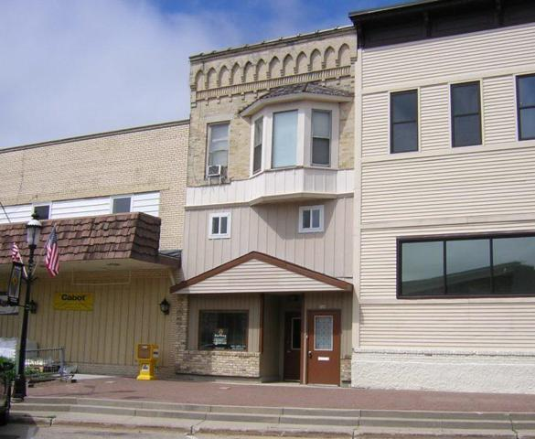 108 S 5th Ave #110, West Bend, WI 53095 (#1616129) :: Tom Didier Real Estate Team