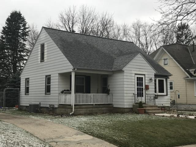 609 Beechwood Ave, Waukesha, WI 53186 (#1616200) :: RE/MAX Service First