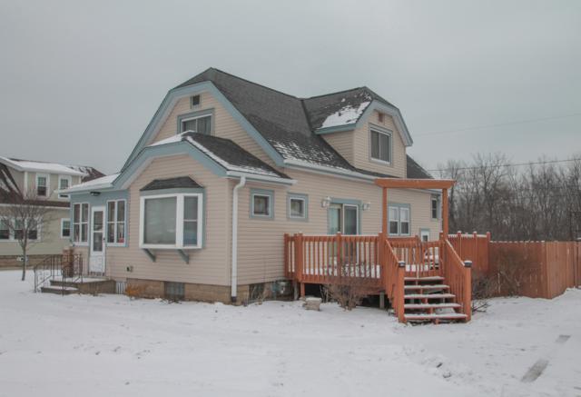 9274 S 8th Ave, Oak Creek, WI 53154 (#1616212) :: Vesta Real Estate Advisors LLC