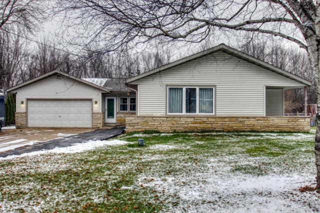 N70W13480 Brentwood Dr, Menomonee Falls, WI 53051 (#1616231) :: Vesta Real Estate Advisors LLC