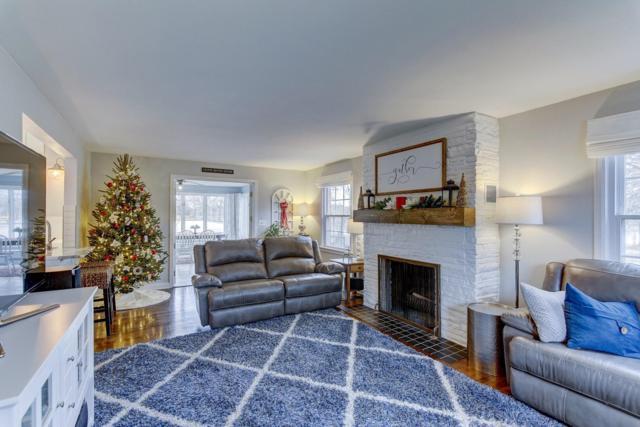125 Caldwell St, Pewaukee, WI 53072 (#1616471) :: Vesta Real Estate Advisors LLC