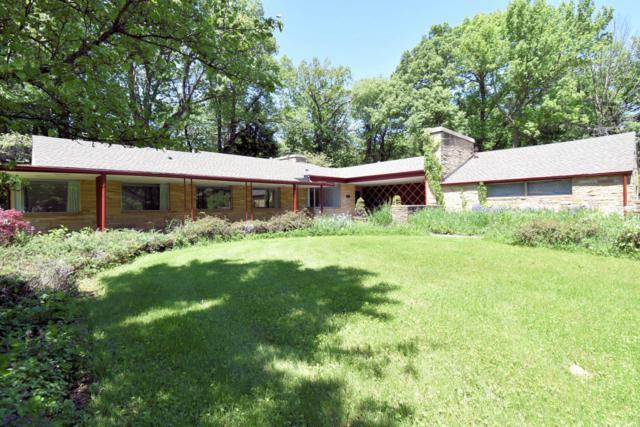 515 W Brentwood Ln, Glendale, WI 53217 (#1616519) :: Vesta Real Estate Advisors LLC