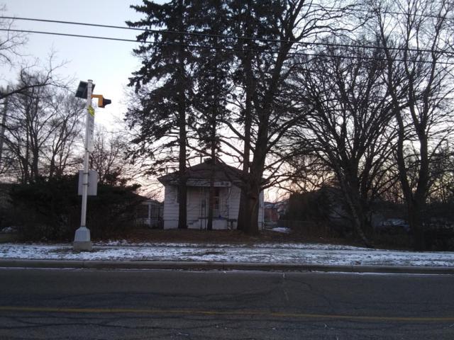 447 E Geneva St, Elkhorn, WI 53121 (#1616565) :: Vesta Real Estate Advisors LLC