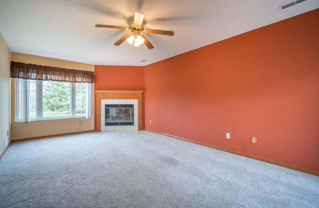 3482 W Sycamore St, Franklin, WI 53132 (#1616634) :: Vesta Real Estate Advisors LLC